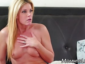 Beautiful Stepmom Seduced By Pussy Eating Teens